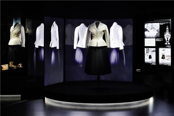 4.11迪奥小姐高订时装裙迪奥套装,迪奥一九四七春夏高级订制系列.jpg